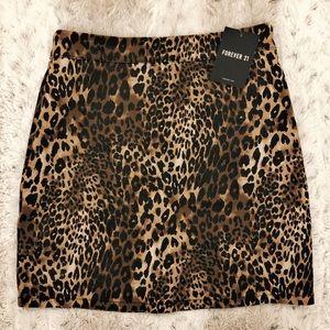 Cheetah print skirt. Forever 21